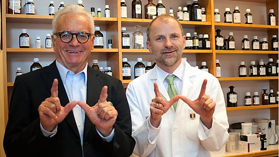 Dr. Schreiber und Apotheker Mag. pharm. Wolfgang Fischill