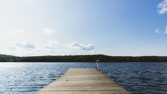 Schick die Wechselbeschwerden in die Pause und genieß die Ruhe am See