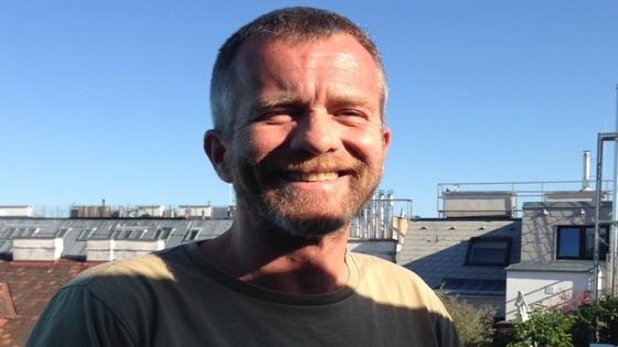 Holger, 51, beobachtet Veränderungen und nimmt sie an