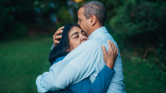 Die Beziehung zum Partner kann sich in den Wechseljahren verändern